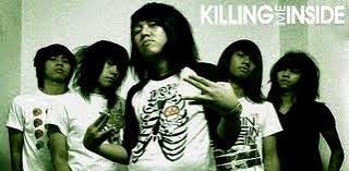 Gaya Rambut Vokalis Killing Me Inside