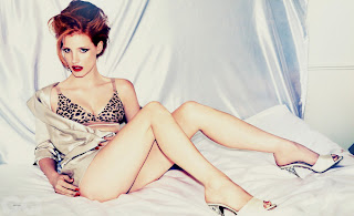 Hot magazine shot of the beautiful Jessica Chastain's legs