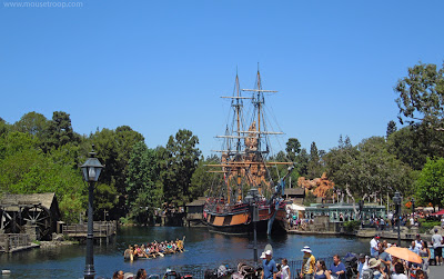 Disneyland Columbia Canoes Rivers America Frontierland