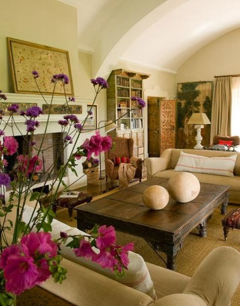 mueble colonial en el salon