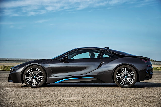 [Update: Price] BMW i8: The Full Skinny on BMW's Super Green Supercar