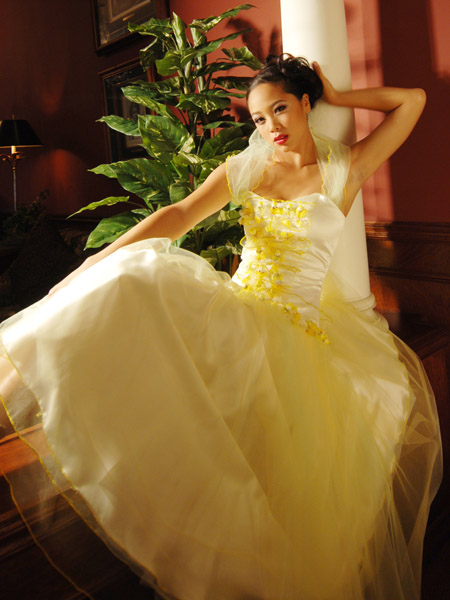 Updatefashion wedding dresses with red and white for Yellow dresses for weddings