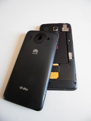 Cómo se quita la tapa trasera del Huawei Ascend G510