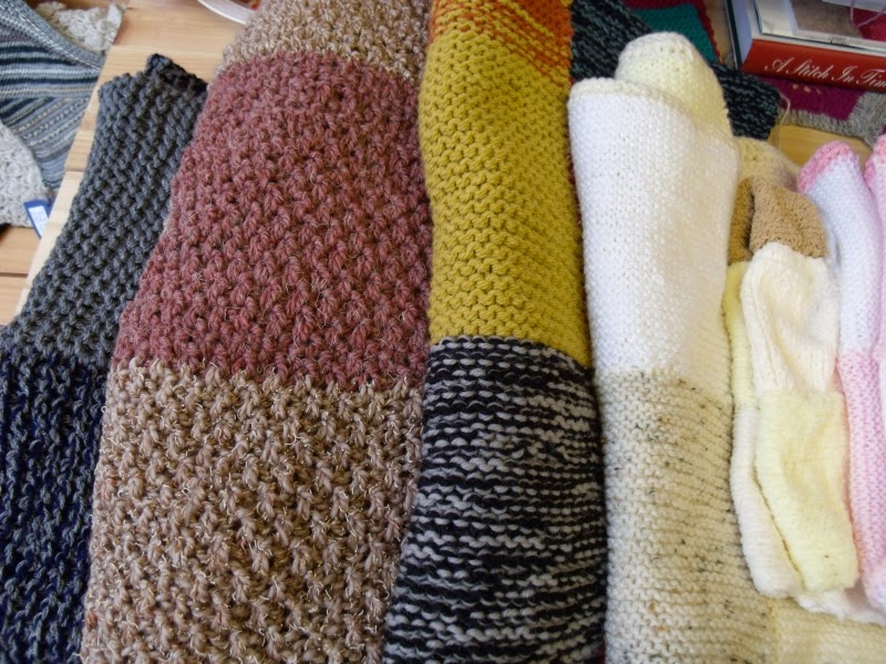 Ginger Twist: Knit Club Charity Knits: Project Pet Blankets
