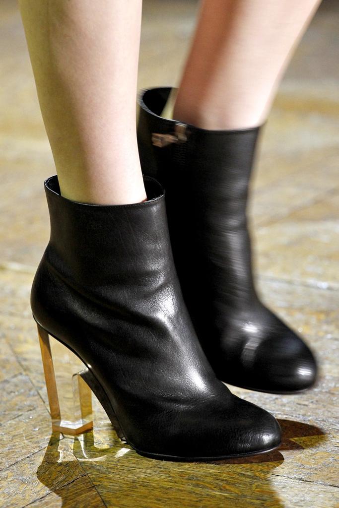 Dries van Noten Fall/Winter 2011 accessories / ankle boots trend report