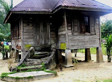 Rumah Tradisional Tetap Dilestarikan