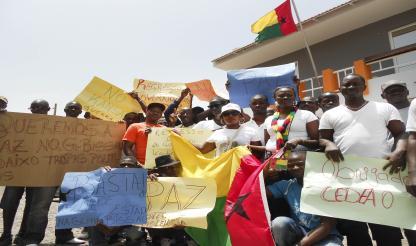 Guineenses em Cabo Verde saúdam libertação de PR interino e de PM...