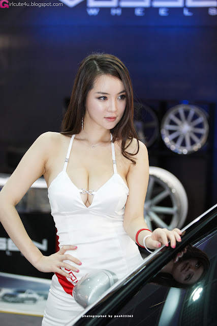 2 Im Ji Hye - Seoul Auto Salon 2012-Very cute asian girl - girlcute4u.blogspot.com