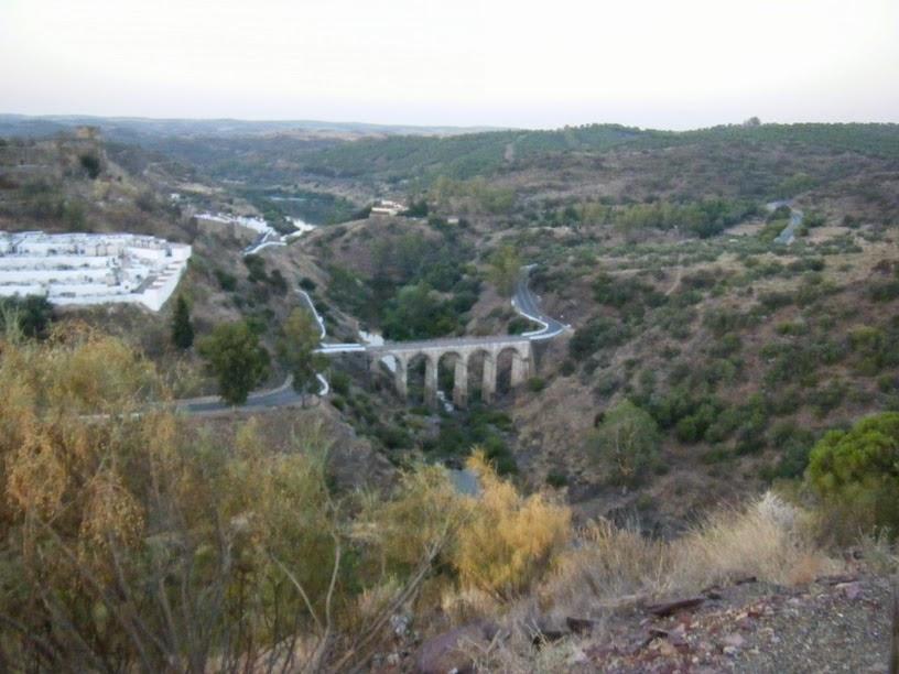 Ponte Romana sobre o afluente do Guadiana