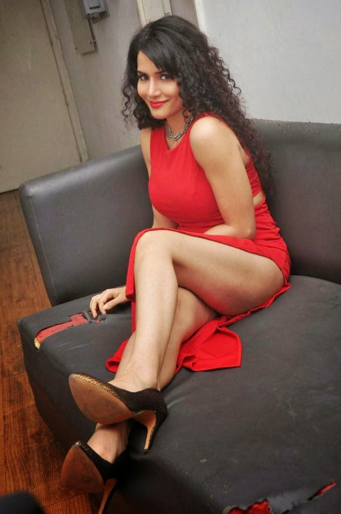 Reetu Boom Boom Movie Actress Hot Photos