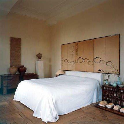 Dormitorio asi tico en el coraz n de un castillo for Dormitorios orientales