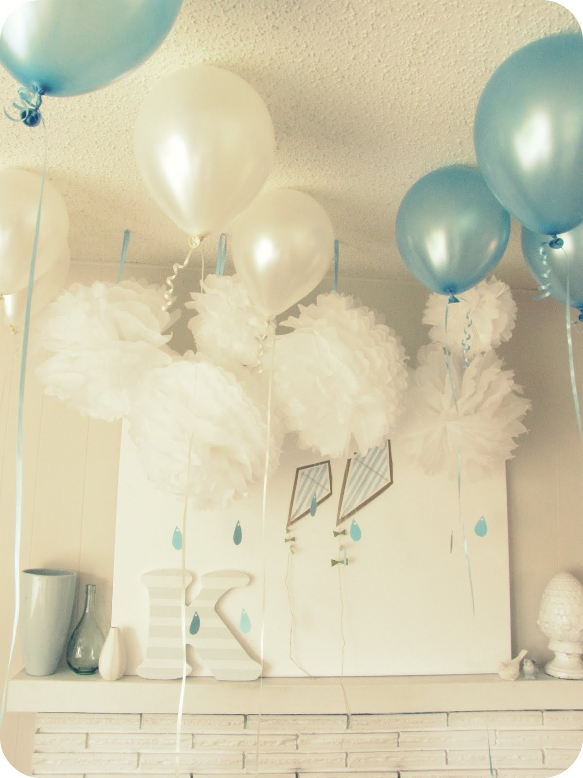 My house of giggles a clouds rain showers and kites for Baby boy baby shower decoration ideas