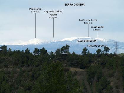 El Pedraforca, la Serra d'Ensija, els Rasos de Peguera i la Serra de Queralt des de el Raval del Clot