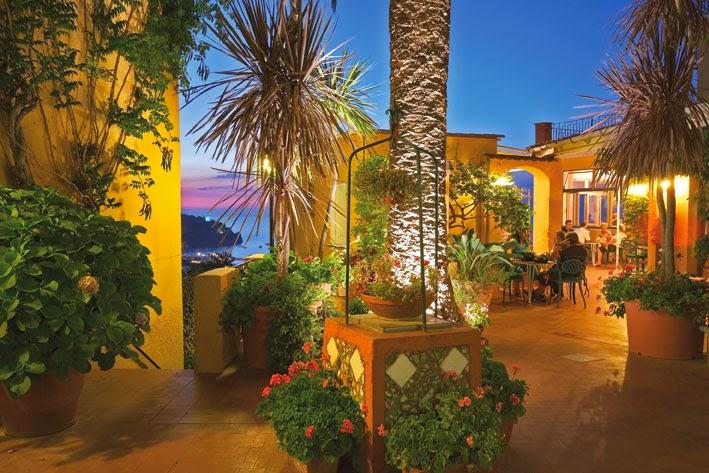 HOTEL MONTI AD ISCHIA