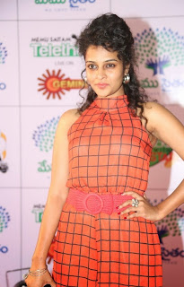 Actress Sonia Latest Picture Gallery in Long Dress at Memu Saitam Dinner with Stars Red Carpet 8