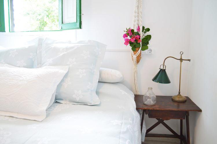 casa-tres-decoracion-dormitorio-casa-de-campo-estilo-rustico-don-algodon