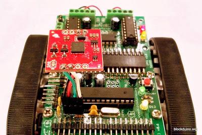 Робот с компасом на основе LSM303