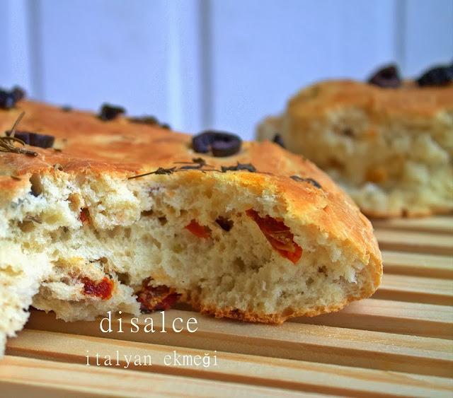 domates kurulu zeytinli ekmek