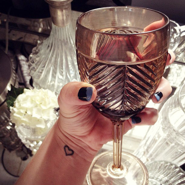 nails, manicure, vintage wine glass