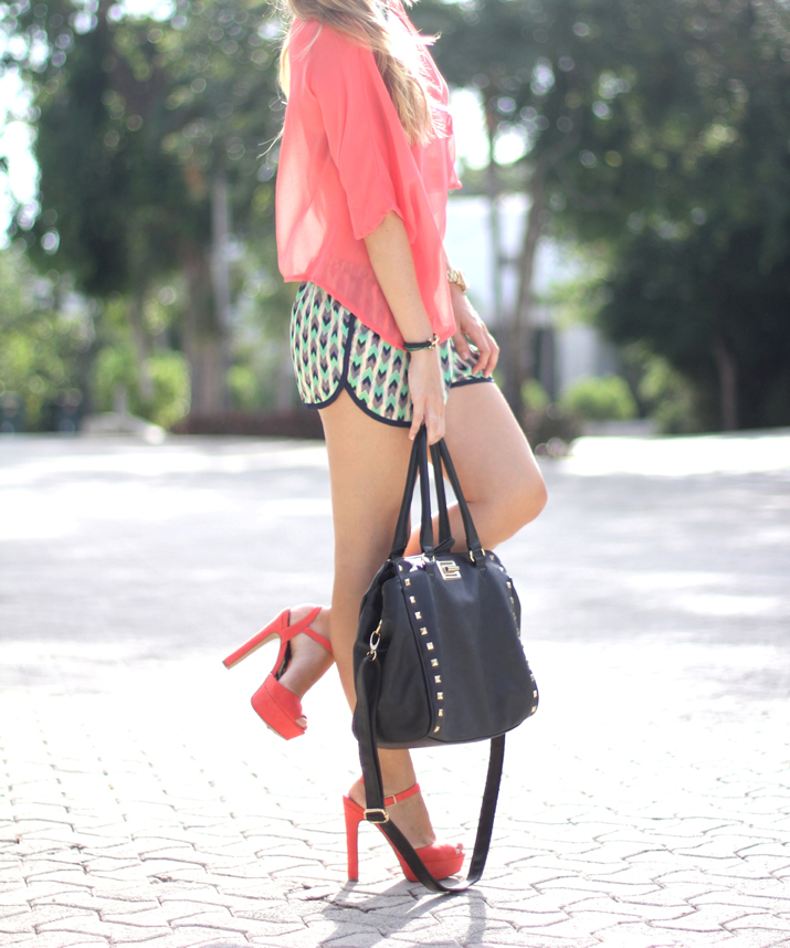 Fashion bloggers wearing tribal shorts