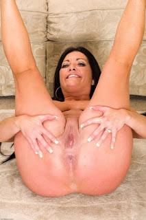 Hot Girl Naked - rs-sam076ASI_298229143-760745.jpg