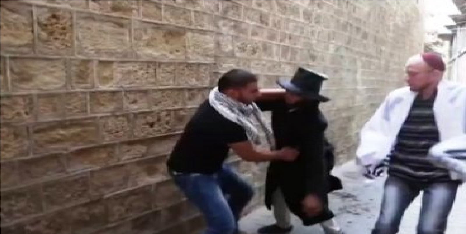 Terroristas De Hamas Utiliza Youtube Para Enseñar A Matar Jóvenes Judíos