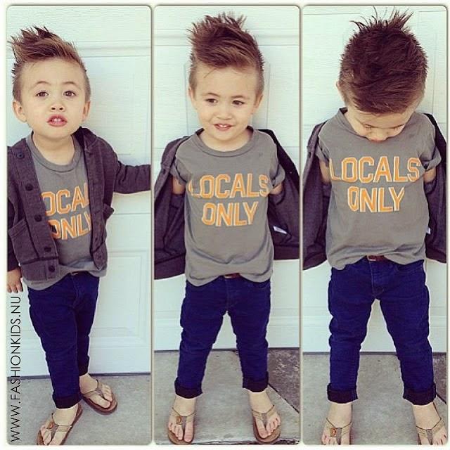 look-child-child-child-child fashion-fashion-the-day-in-day-street-fashion-pants-jeans-infantil-menino-criança-branca-look-casaquinho-camisa-branca-short-infantil-fashion-chinelo-look