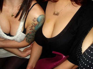 Hot Cleavage Pictures