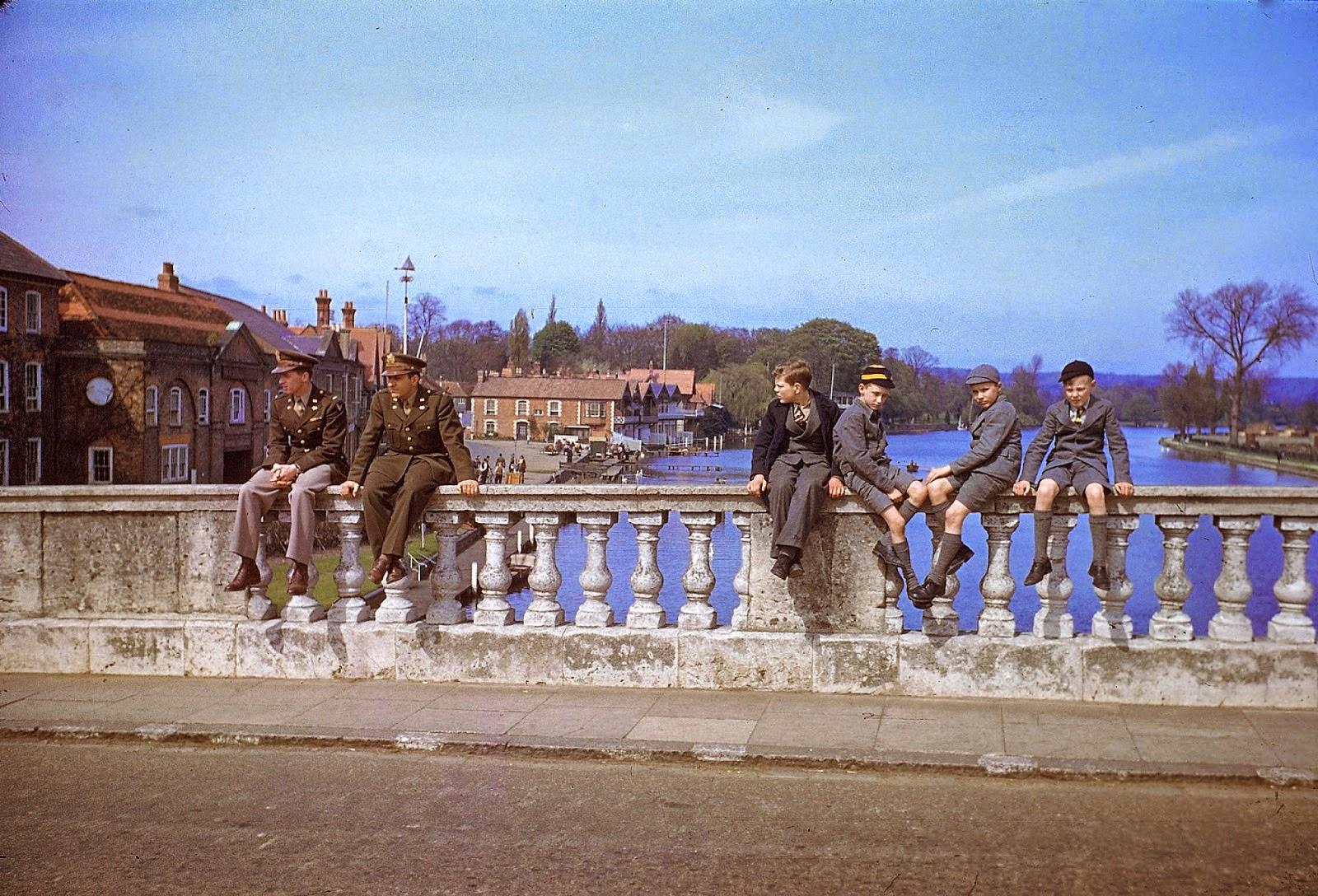 http://3.bp.blogspot.com/-Z5IwHErbpp8/VLacKc0NsKI/AAAAAAABOMI/A9_1Cznm0Ls/s1600/Rare+Color+Photographs+from+World+War+II+(4).jpg