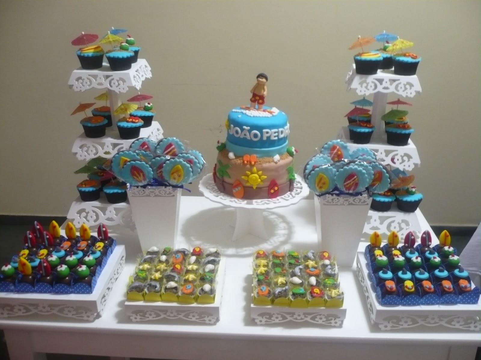 doces decorados surf bolo cupcake trufa pirulito de chocolate brigadeiro