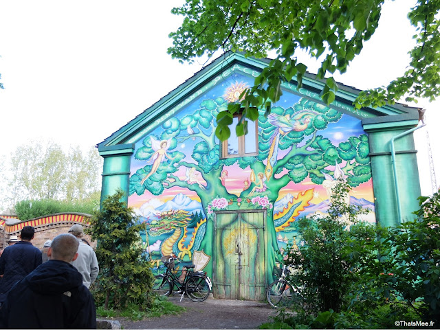 quartier christiania copenhague greenlight district cannabis street art paint
