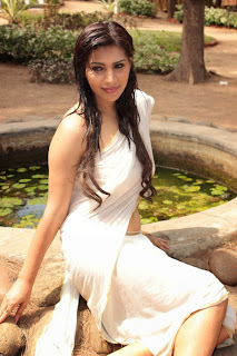 Anjana in White Saree and White Blouse Stunning Beauty
