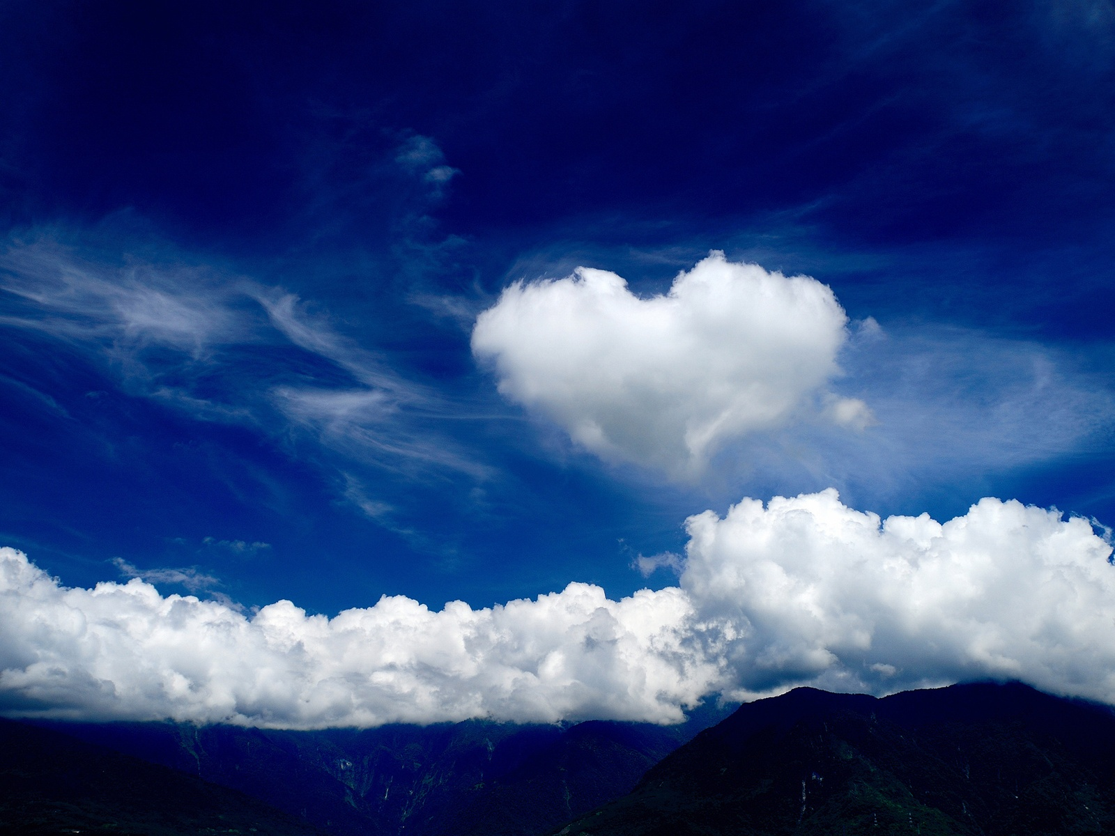 3d love with clouds wallpaper, wallpaper for desktop