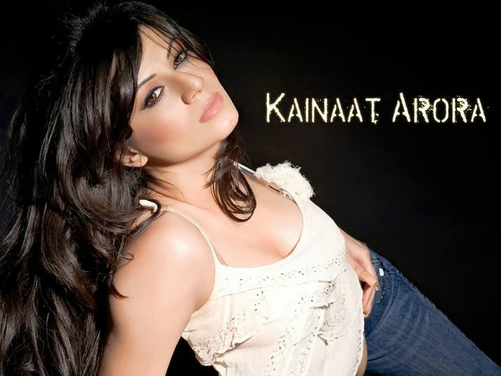 Kainaat Arora Hot