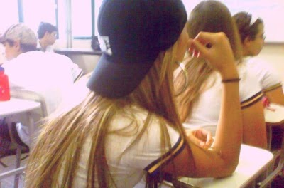 The Bests Fakes Estudando Escola