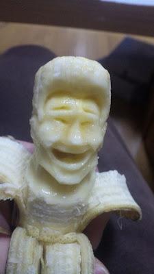 http://3.bp.blogspot.com/-Z65ByjspvRg/TaUTYq5k01I/AAAAAAAAQlg/uOzJApJnYLQ/s400/amazing_bananas_art_07.jpg