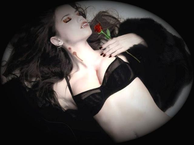 Коллекция картинок сексуальных девушек вампиров (25 фото) .