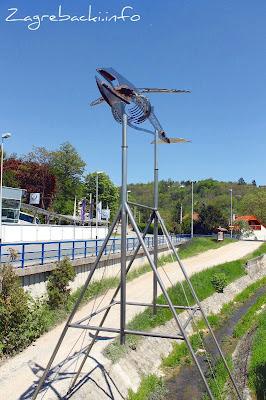 Spomenik zagrebačkom kitu - Zdenko Šlibar, 2001.