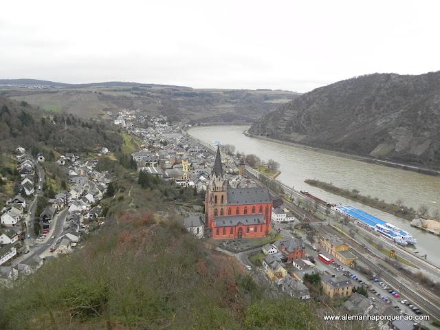 A cidadezinha de Oberwesel e o rio Reno