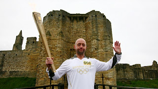 Next London Olympics 2012 : Olympic Flame Visit Warkworth Castle