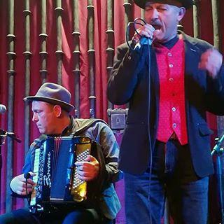 Miguel Afonso y José Manuel Patillas en una actuación de Folk Canarias