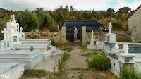bij een kerkhof (bijna) altijd water