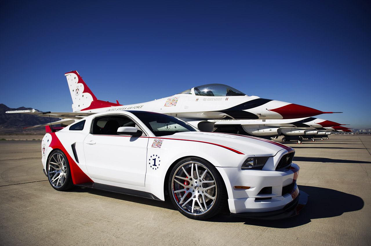 USAF Thunderbirds Edition Ford Mustang