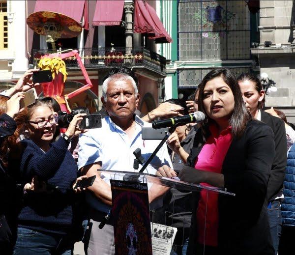 """CLAUDIA RIVERA  INAUGURA EN EL ZÓCALO LA EXPOSICIÓN """"ME LLEVA LA HUESUDA"""""""