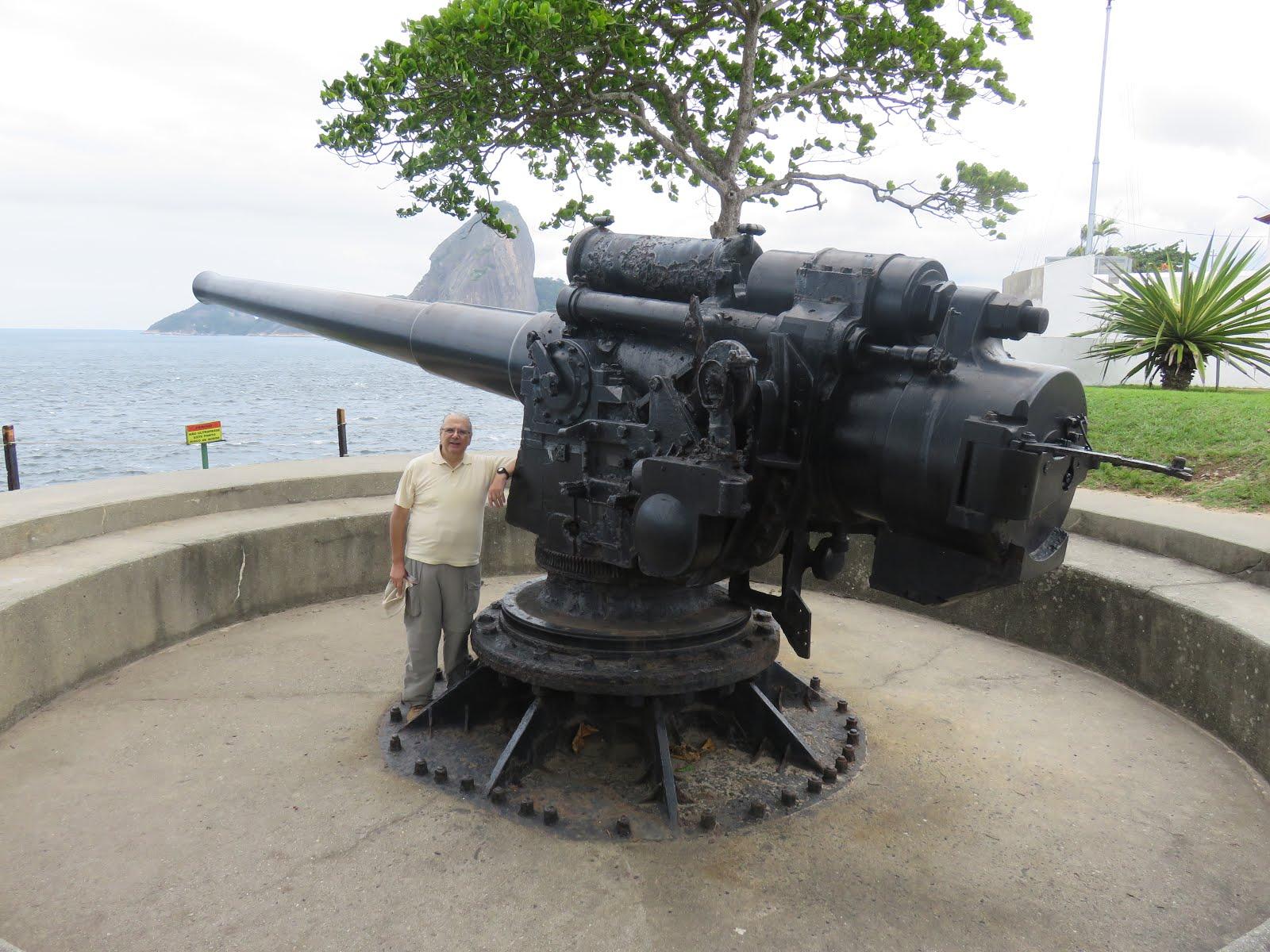 Artillería histórica (Bahia de Guanavara, Brasil)