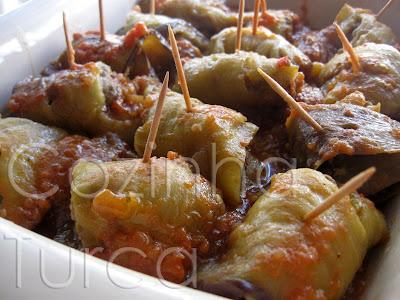 Rolos de Beringela com Carne Picada (Köfteli Patlican)