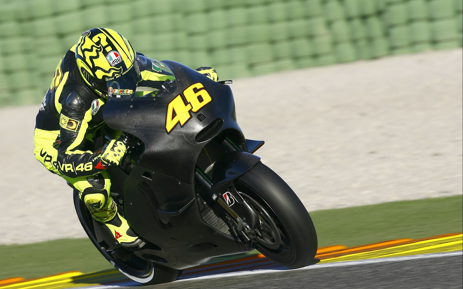 rossi 46 on black bike Valentino Rossi wallpapers in HD