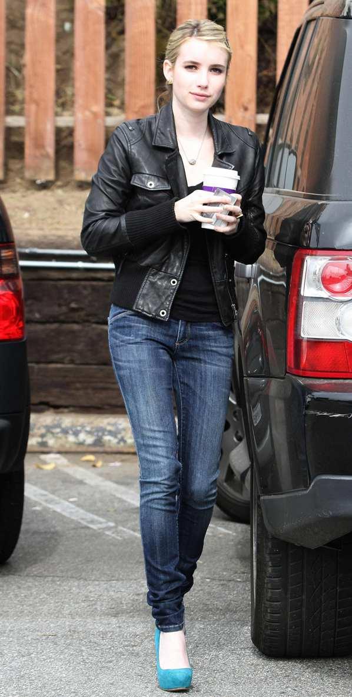 PASARELA FALSA: EL ESTILO DE Emma Roberts