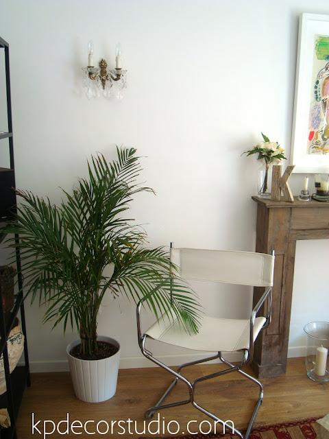 comprar lampara vintage de lagrimas. decoracion de salon vintage escandinavo con aplique de pared de lagrimas y silla skay