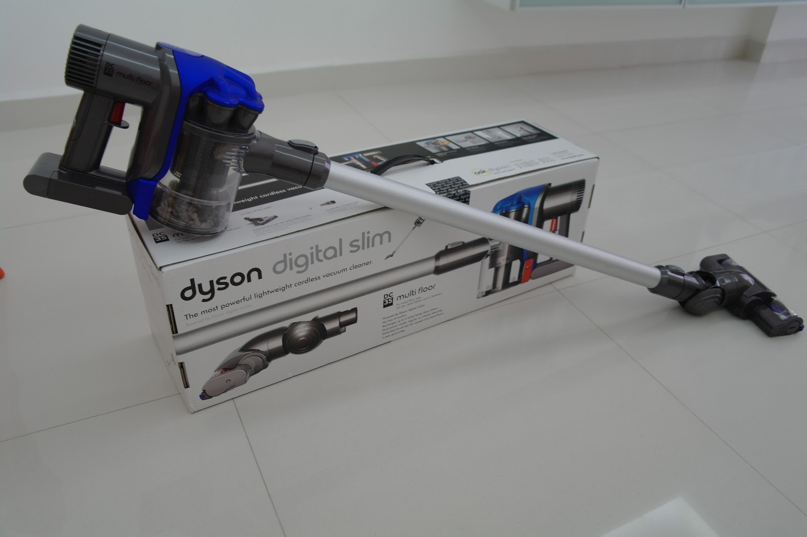 Dyson DC35 Review_Side View With Box